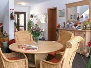 Eingangsbereich mit vielen Informationen - Ferienpension Gabriele