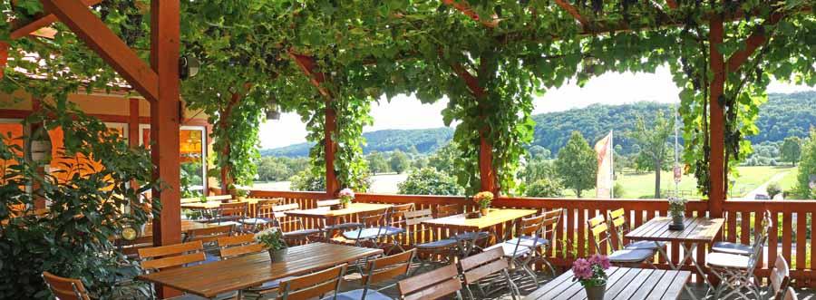 weinumrankte Terrasse bei Neumann´s in Sörnewitz